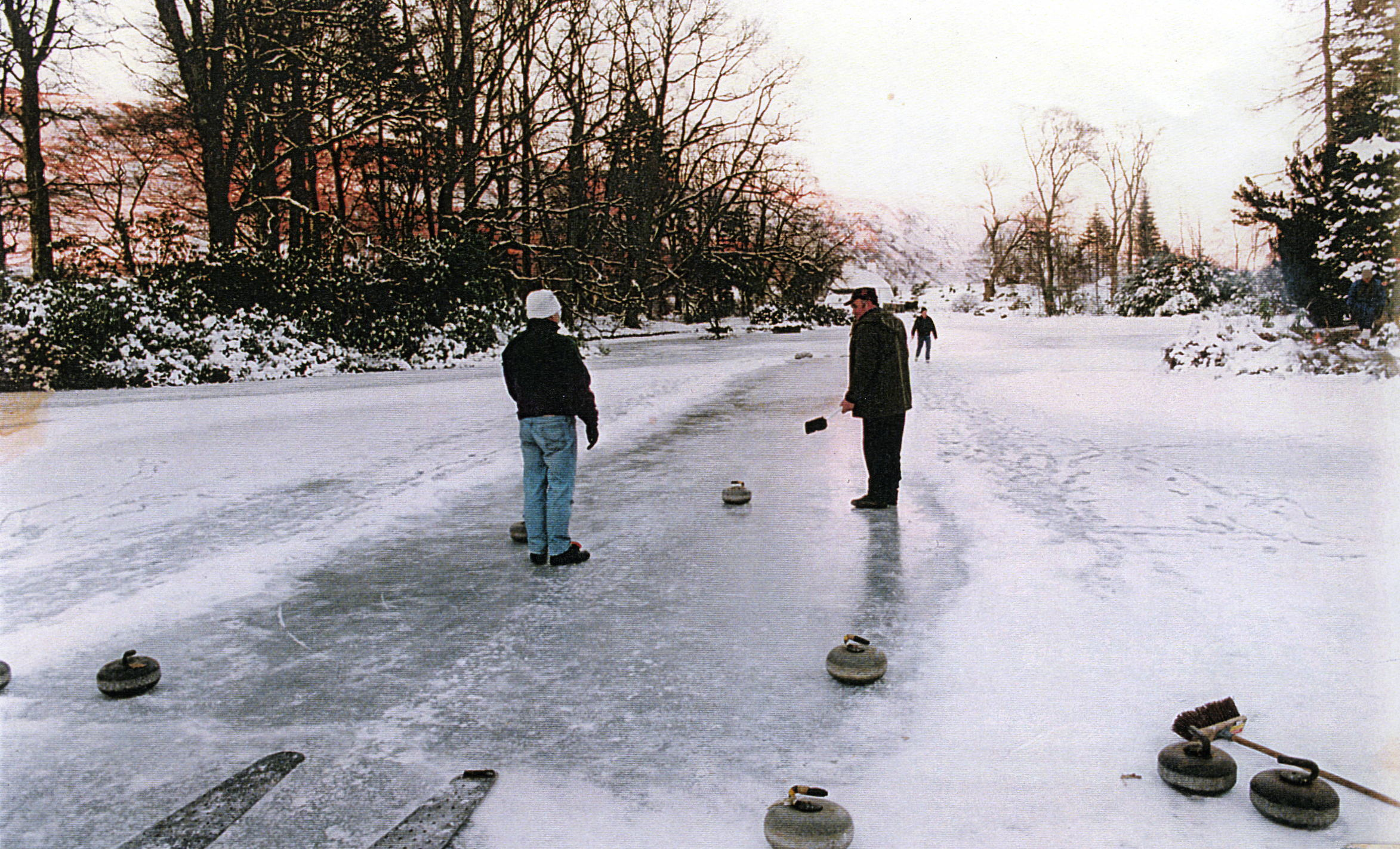 Curling on the caspian at Ardkinglas