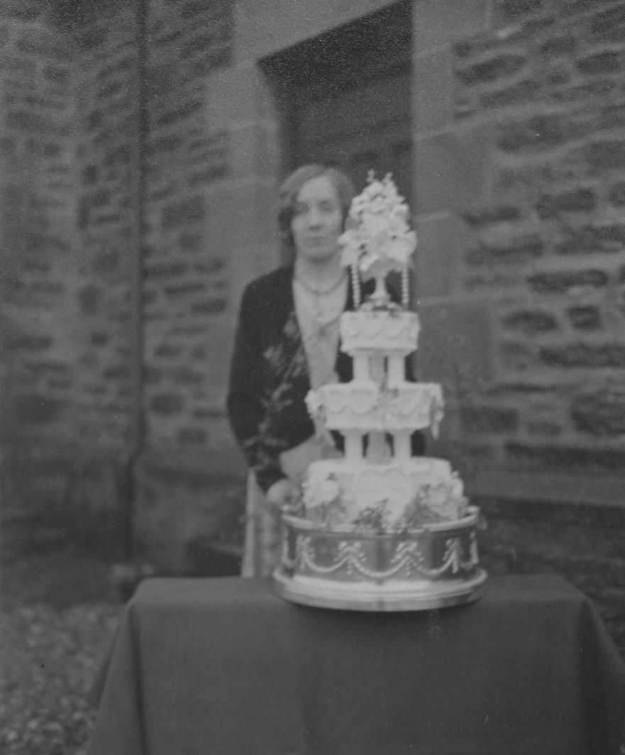 Ella McIntosh's Wedding Cake