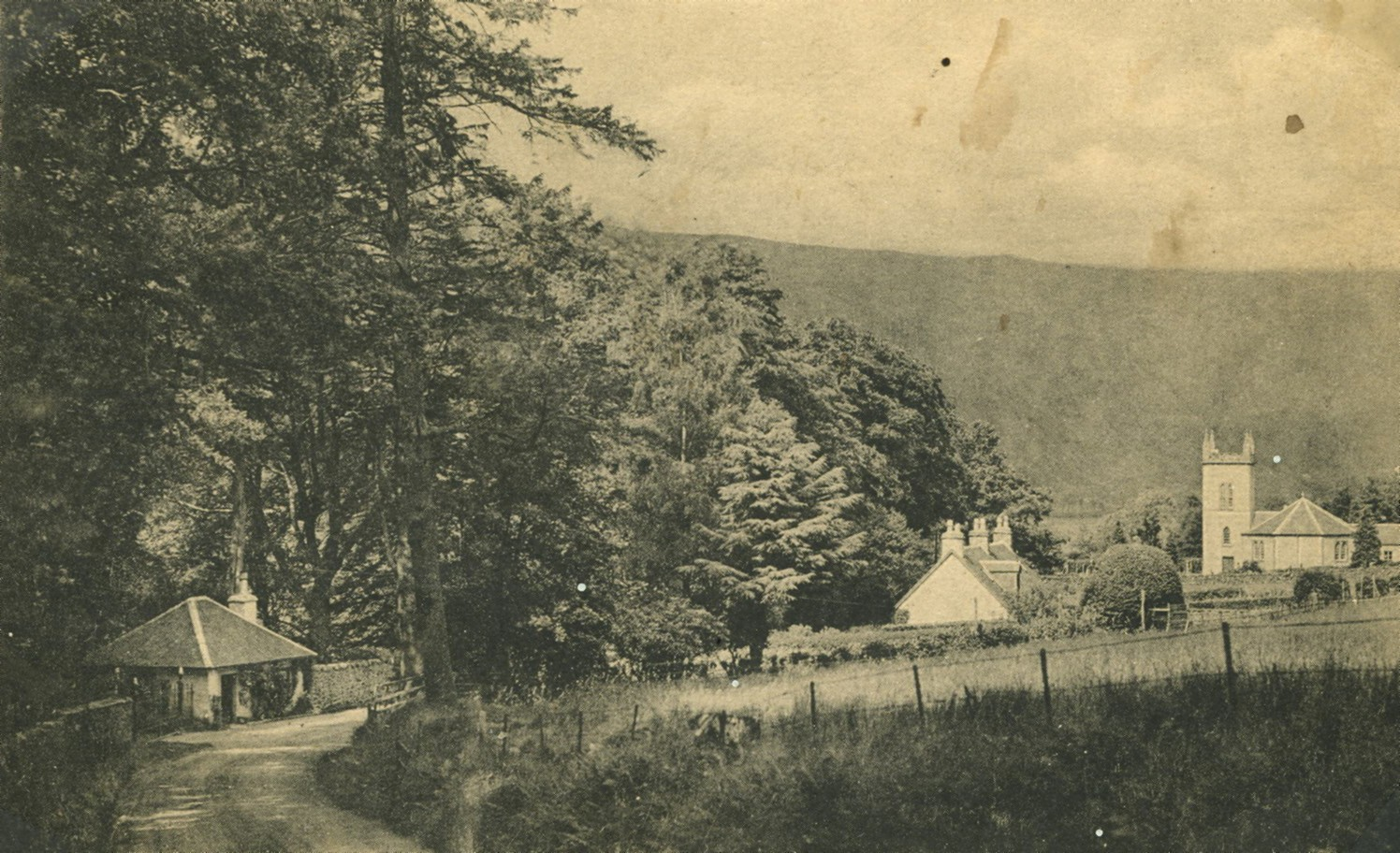North Lodge at Ardkinglas Estate gates