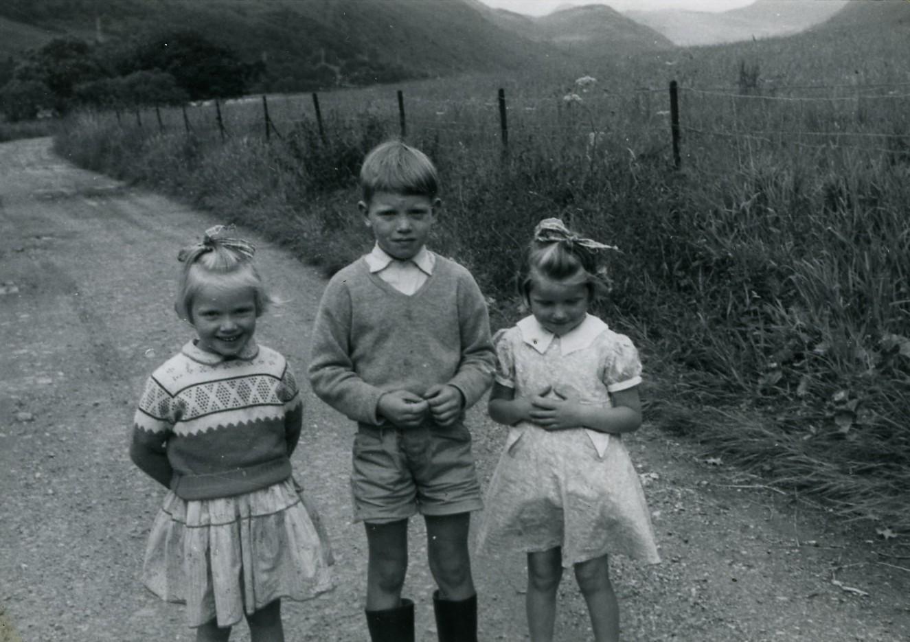 Elizabeth, Colin & Christina Callander