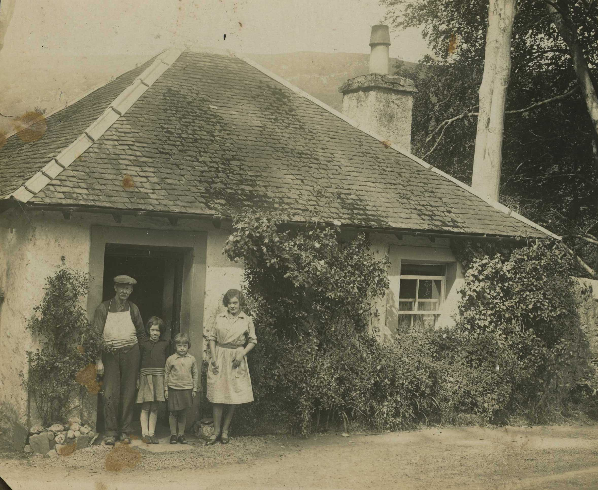 North Lodge at gates to Ardkinglas Estate