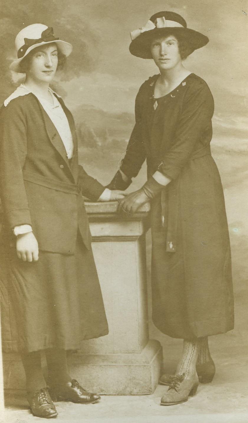Alice & Lizzie McNair